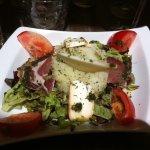 tartare de tomates et quenelles de fromage frasi