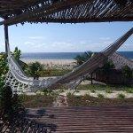 Desde el deck del bungalow se ve el mar