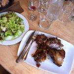 Dimanche de brocante : agneau rôti à la broche (salade verte pour madame...)