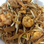 Chicken & Shrimp Pad Thai