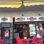 Photo de Legends Bar La Pineda