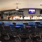 Hotel cocktail bar (24 bar & grill)