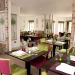 Beautiful woodland décor at Table Manors