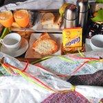 El desayuno servido en la habitación
