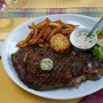 Une superbe entrecôte tendre et goûteuse que je recommande pour les amateurs de bonne viande