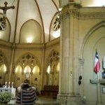 Catedral de Valparaíso -- Huaso chileno bailando una Cueca (baile nacional) a la Virgen María