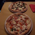 pizza Palatino and pizza seneca