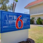 Photo de Motel 6 Phoenix Tempe - Broadway - Asu