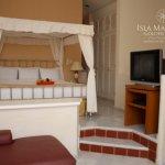 Recamara Principal / Master Bedroom