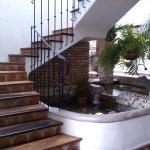 Escaleras para acceder a habitaciones en pisos superiores