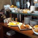 3er. tramo del buffet frío y caliente para el desayuno.