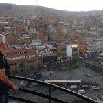 La ciudad de La Paz,vista del piso 16, del hotel Presidente.-