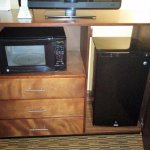 Micro, storage, fridge/freezer of 220