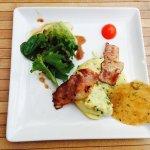 Le 29/05/2016: Restaurant avec un cadre agréable. Menu du jour proposé à 13€ (entrée, plat, dess