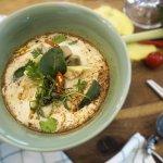 ก๋วยเตี๋ยวต้มยำน้ำข้นไก่ฉีก / Noodle with Chicken Tom yum soup.