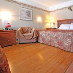 Queen Double Beds Room