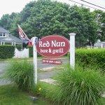 Red Nun Bar & Grill Foto