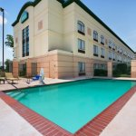 The Country Inn & Suites Outdoor Pool