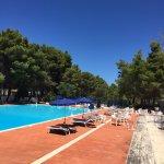 Foto spiaggia e piscina