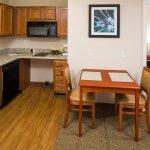 Smart Suites Burlington Foto