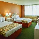 Airport Honolulu Hotel - interior - guestroom 2double