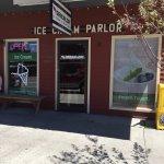 Photo de Arrowleaf Ice Cream Parlor