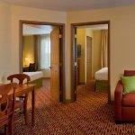 Photo de TownePlace Suites Denver West/Federal Center
