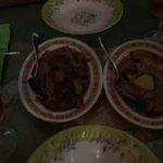 Des nems délicieux un bœuf aux champignons parfumé unique un canard à l ananas surprenant un res