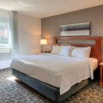 Photo de SpringHill Suites Old Montreal