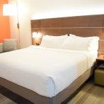 Photo de Holiday Inn Express Hotel & Suites Pensacola W I-10