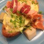 Hot smoked salmon, confit leeks & lime hollandaise