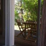 vu du salon sur la terrasse où nous avons régulièrement mangé
