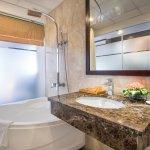May De Ville City center 2 hotel - Bathroom