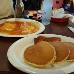 huevos rancheros and hotcakes