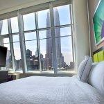 Photo de SpringHill Suites New York Midtown Manhattan/Fifth Avenue