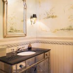 La Parisian Suite: Bathroom