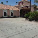 Photo de La Fuente Inn & Suites
