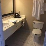 Photo de Country Inn & Suites By Carlson, Oakville, ON