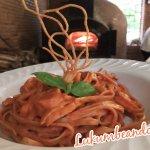 Pizzas y pastas para comer y cenar en restaurant café lukumbé puerto vallarta, pastelería