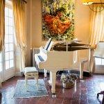Piano salon