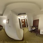360 Degree photo of the room