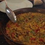 Paella de verduras y setas.