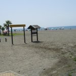 Playa justo enfrente del hostal