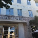 Hotel Astor displaying key Art Deco features