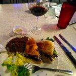Grouper sandwich, red blend vino