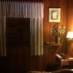 Hotel aconchegante e bonito, porém o serviço deixou a desejar. Ambiente relaxante. Fui no invern