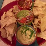 Starter dips - absolutely massive! Could barely finish our mains 😂