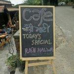 Cafe Chaandi Maati