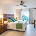 King Oceanic Room at Paradise Hotels, West Bay, Roatan