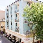 Photo de Hotel Nuovo Fiore